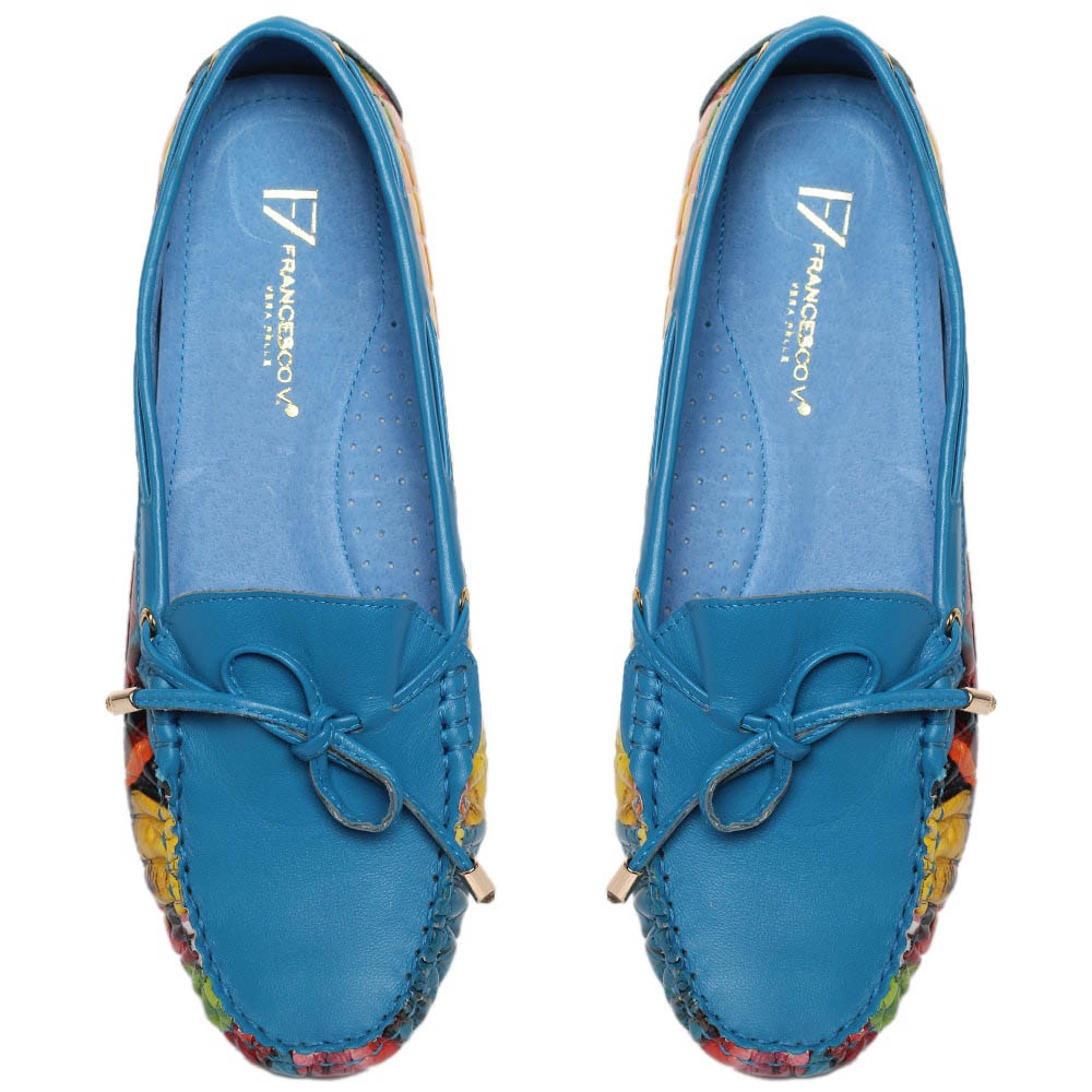 Кожаные мокасины голубого цвета с ярким принтом Francesco Valeri