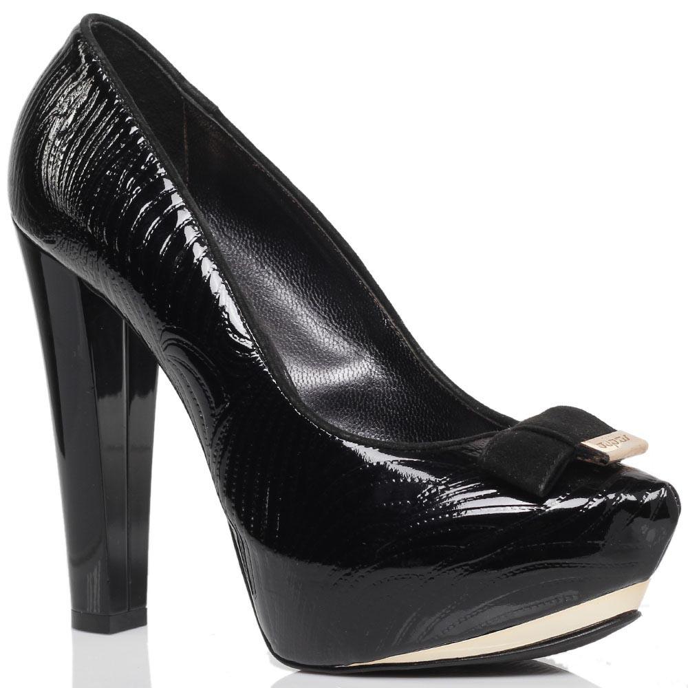 Туфли-лодочки из лаковой фактурной кожи Byblos черного цвета