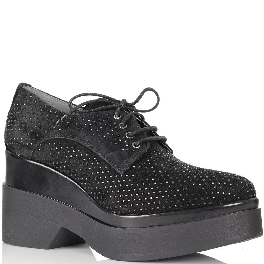 Туфли Kanna из натуральной замши черного цвета на высокой танкетке