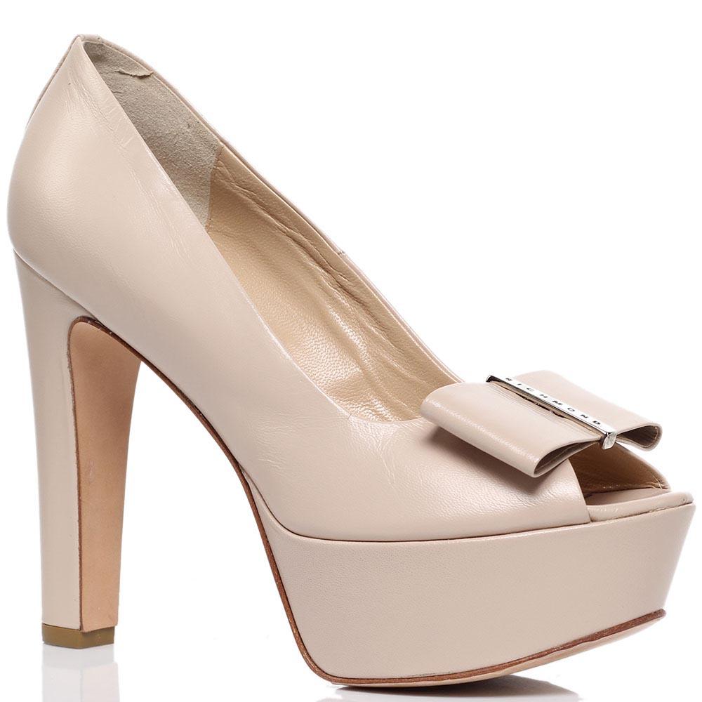 Кожаные туфли с открытым носочком бежевого цвета Richmond на платформе и каблуке