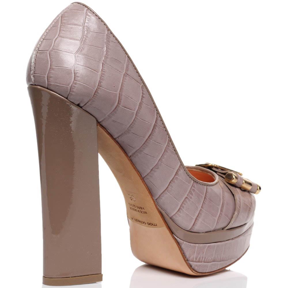 Кожаные туфли бежевого цвета с тиснением под рептилию MAC Collection