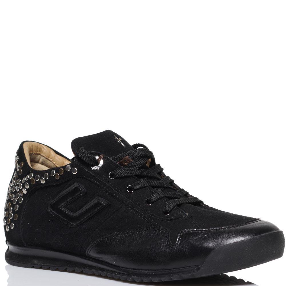 Замшевые кроссоовки черного цвета Cesare Paciotti украшенные заклепками