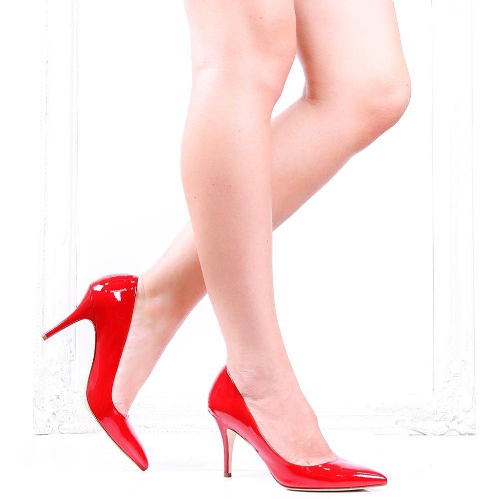 Туфли-лодочки The Seller Julie Dee из лаковой кожи ярко-красного цвета