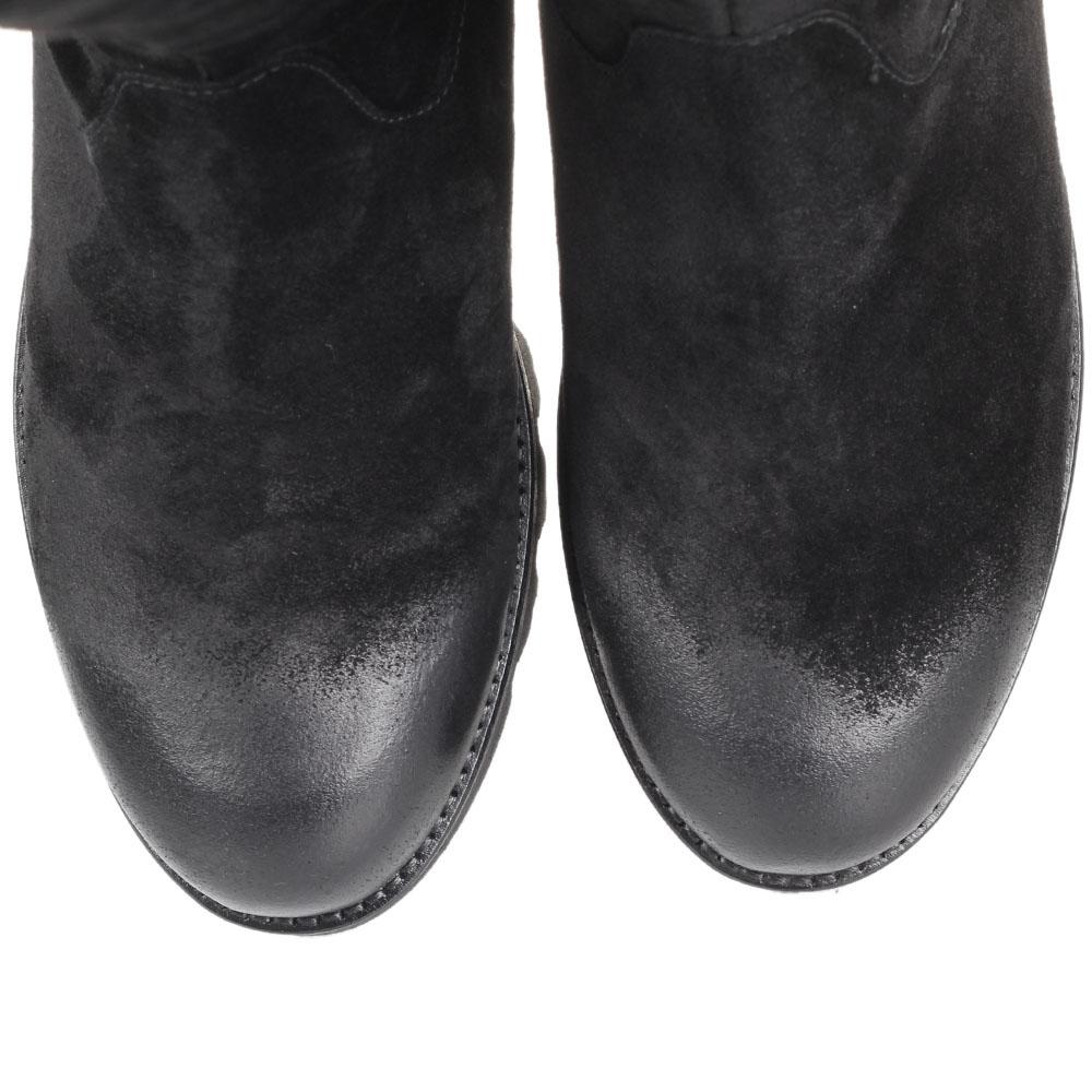 Замшевые сапоги с эффектом потертости The Seller Jullie Dee черного цвета на рельефной подошве