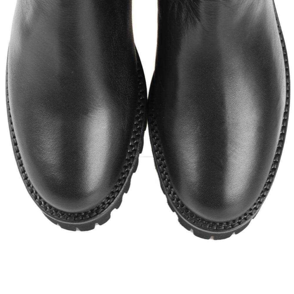 Зимние сапоги-ботфорты The Seller Julie Dee черного цвета на рельефной подошве