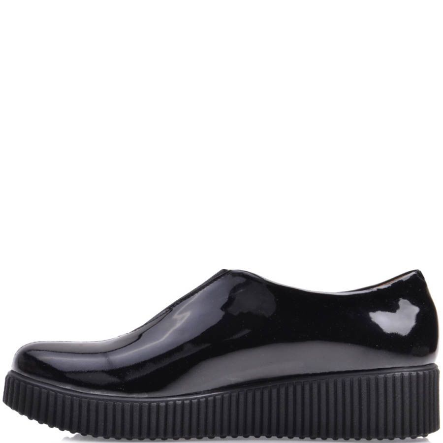 Ботинки Prego черного цвета лаковые с плоской подошвой