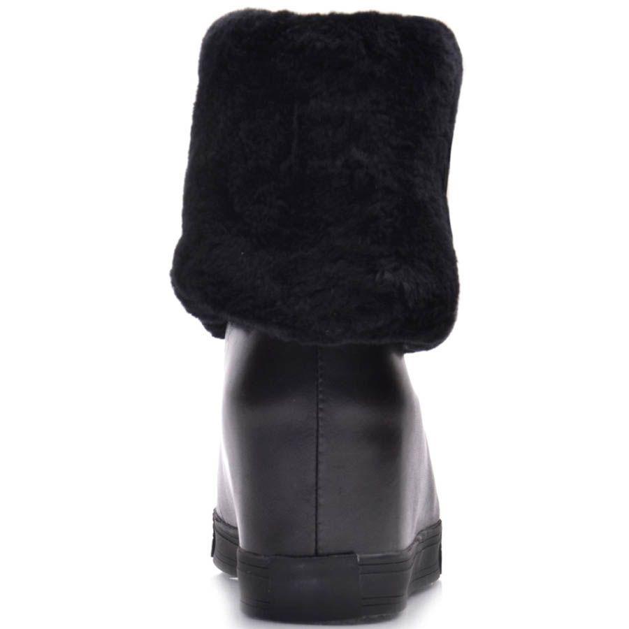 Полусапоги Prego черные кожаные на скрытой танкетке с меховым отвором и замочком в виде молнии