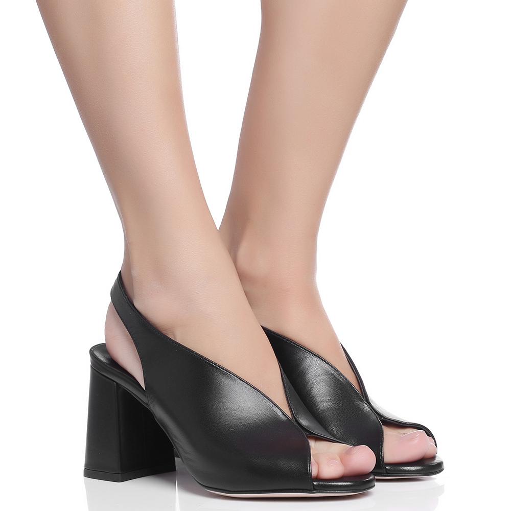 Черные босоножки Nila&Nila на высоком каблуке