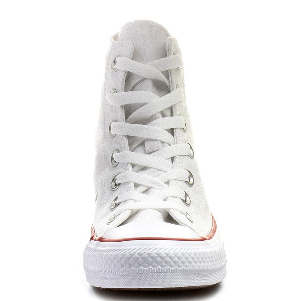 Белые высокие кеды Converse Chuck Taylor с полосами вдоль подошвы