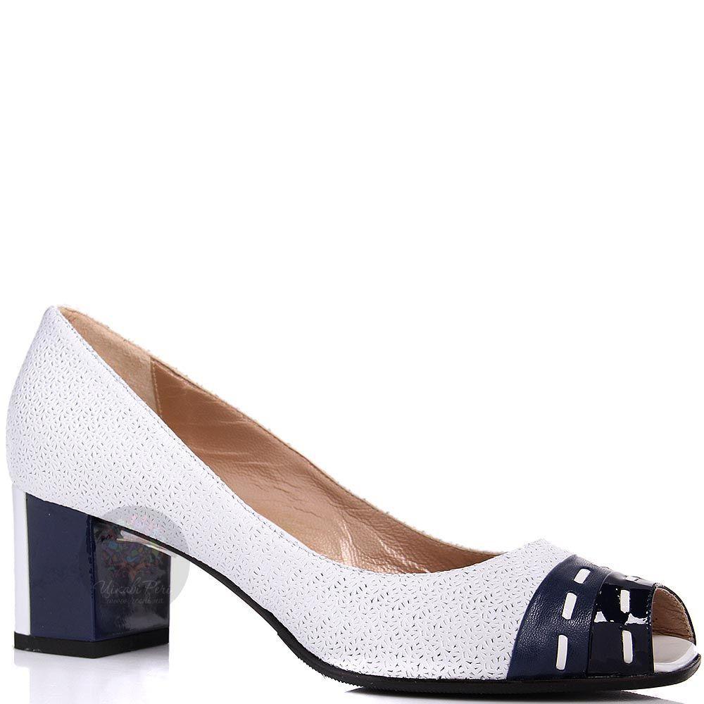 Туфли William Massimi белые с перфорацией и синим каблуком