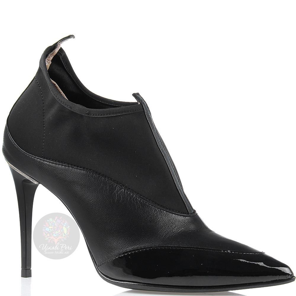 Ботильоны William Massimi черного цвета с лаковым носочком