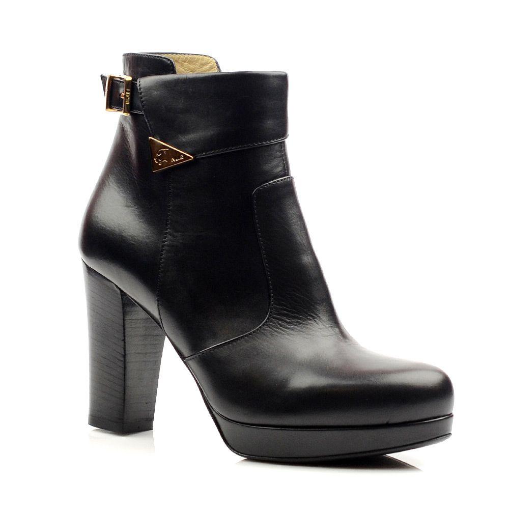 Женские кожаные ботинки Norma J Baker черные