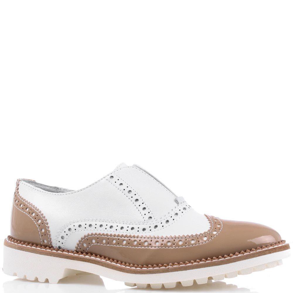 Туфли-броги Cafe Noir в бежево-белом цвете на белой подошве