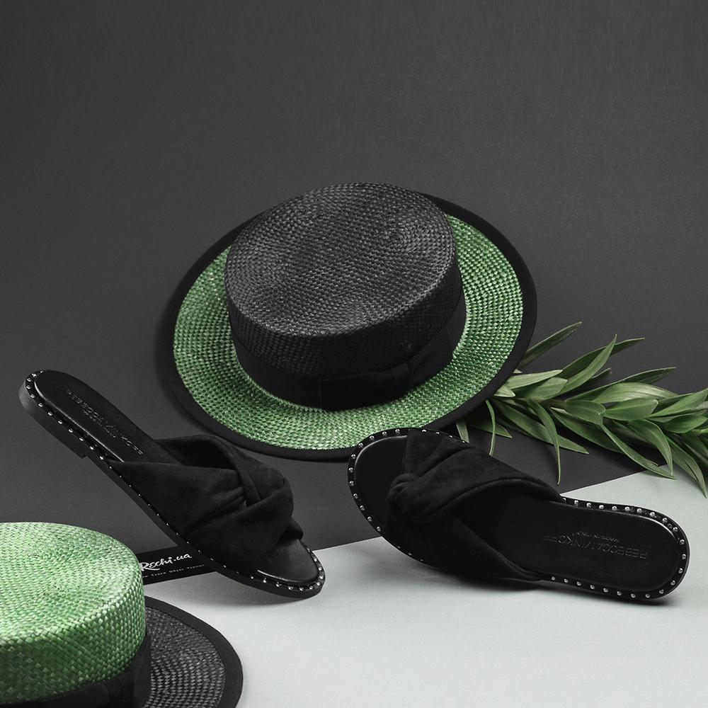 Замшевые сланцы Rebecca Minkoff черного цвета с декором-заклепками