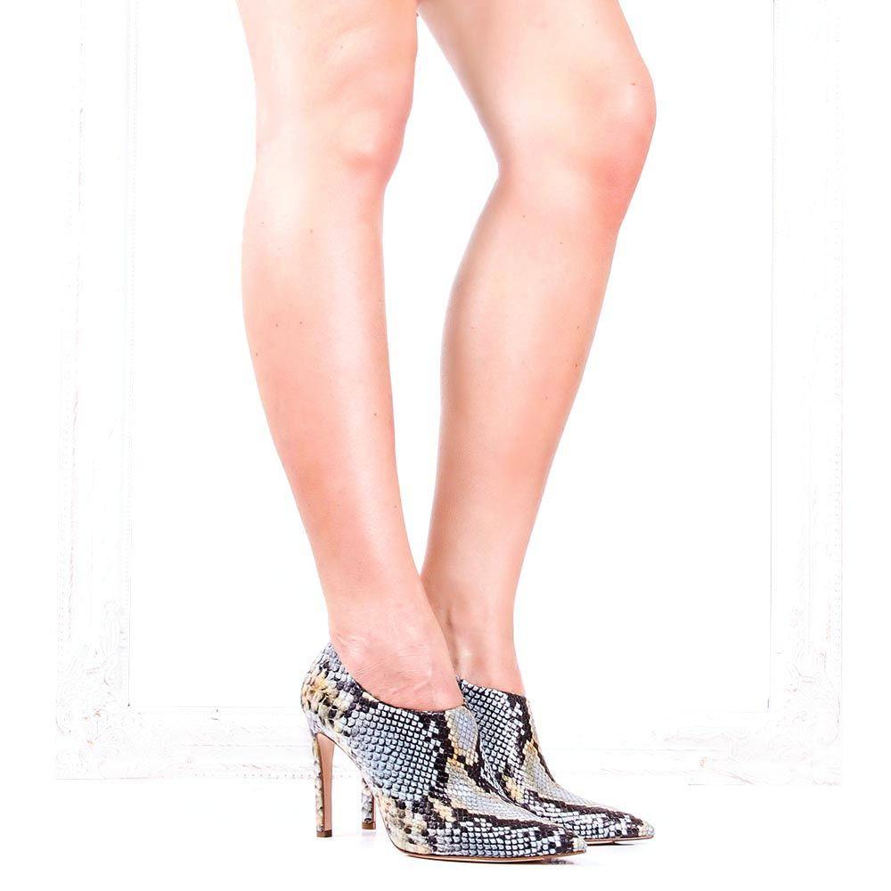 Закрытые туфли The Seller с имитацией кожи рептилии в желто-голубых тонах