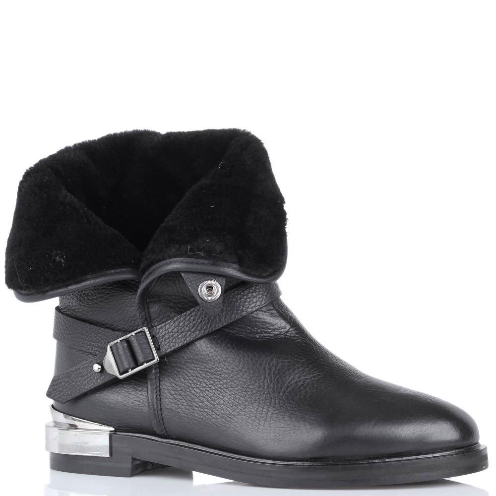 Ботинки The Seller зимние черного цвета с декоративным ремешком и металлической вставкой на пятке