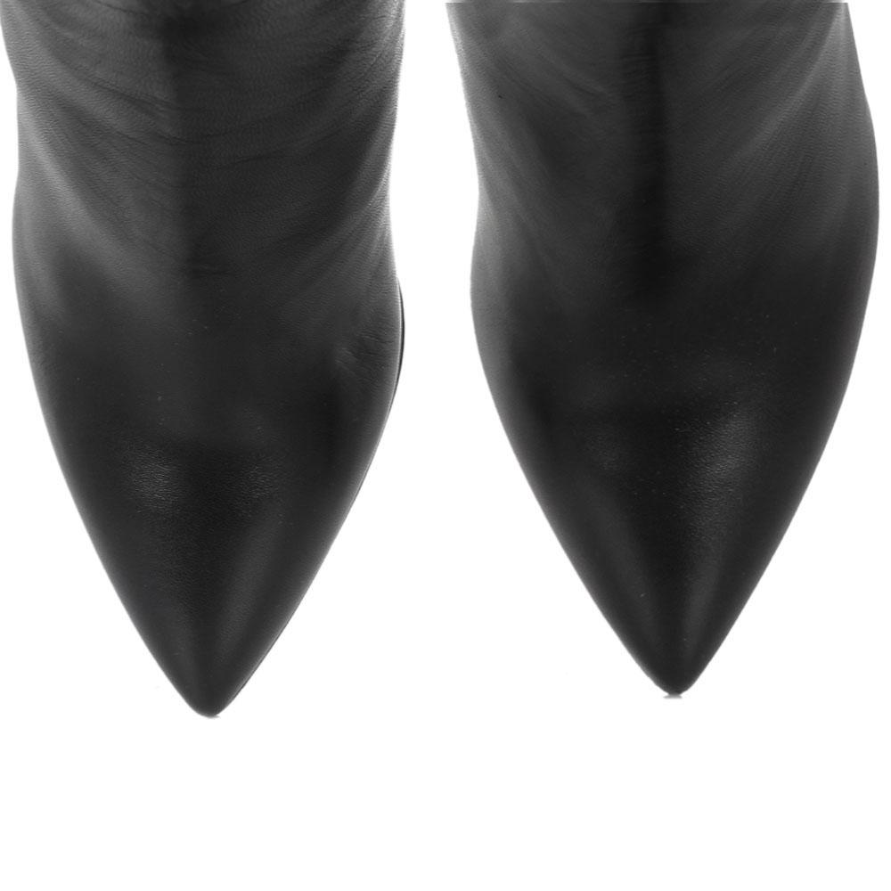 Кожаные сапоги на высоком каблуке The Seller черного цвета с узким носком