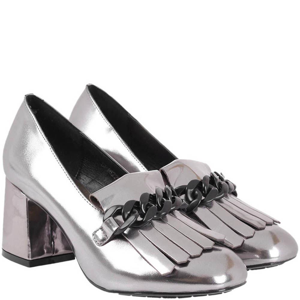 Кожаные туфли-лоферы серебристого цвета с декоративной цепочкой Tosca Blu на толстом каблуке