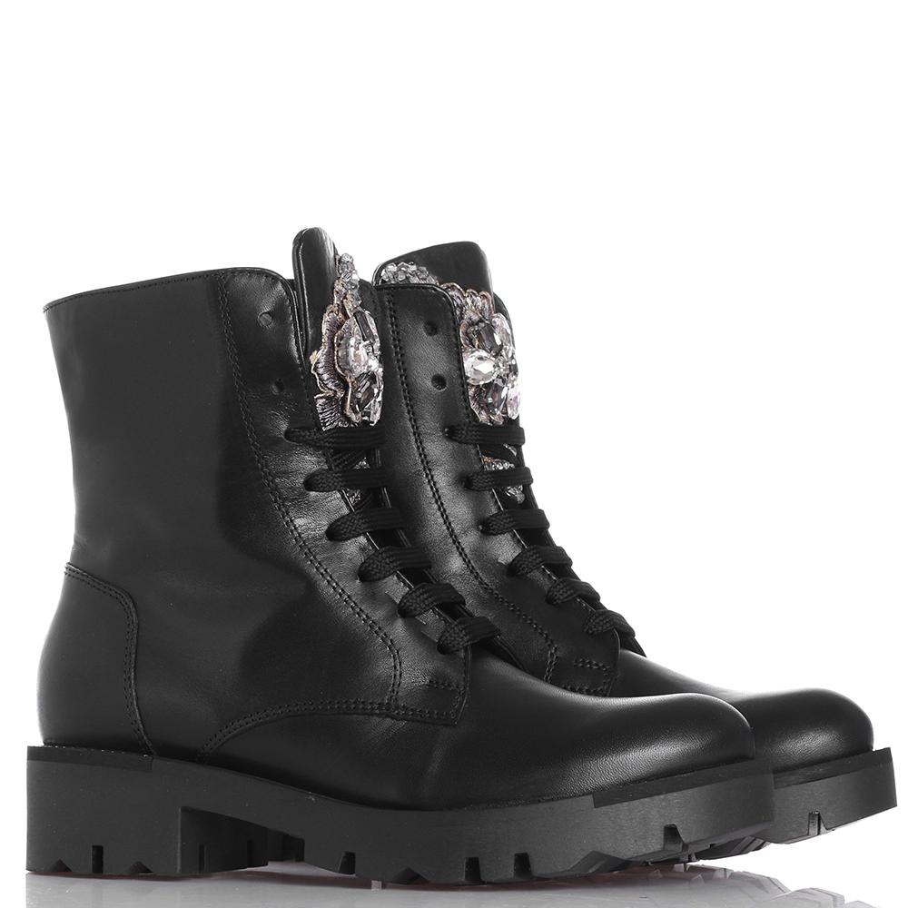 Ботинки Tosca Blu черного цвета с декором-камнями