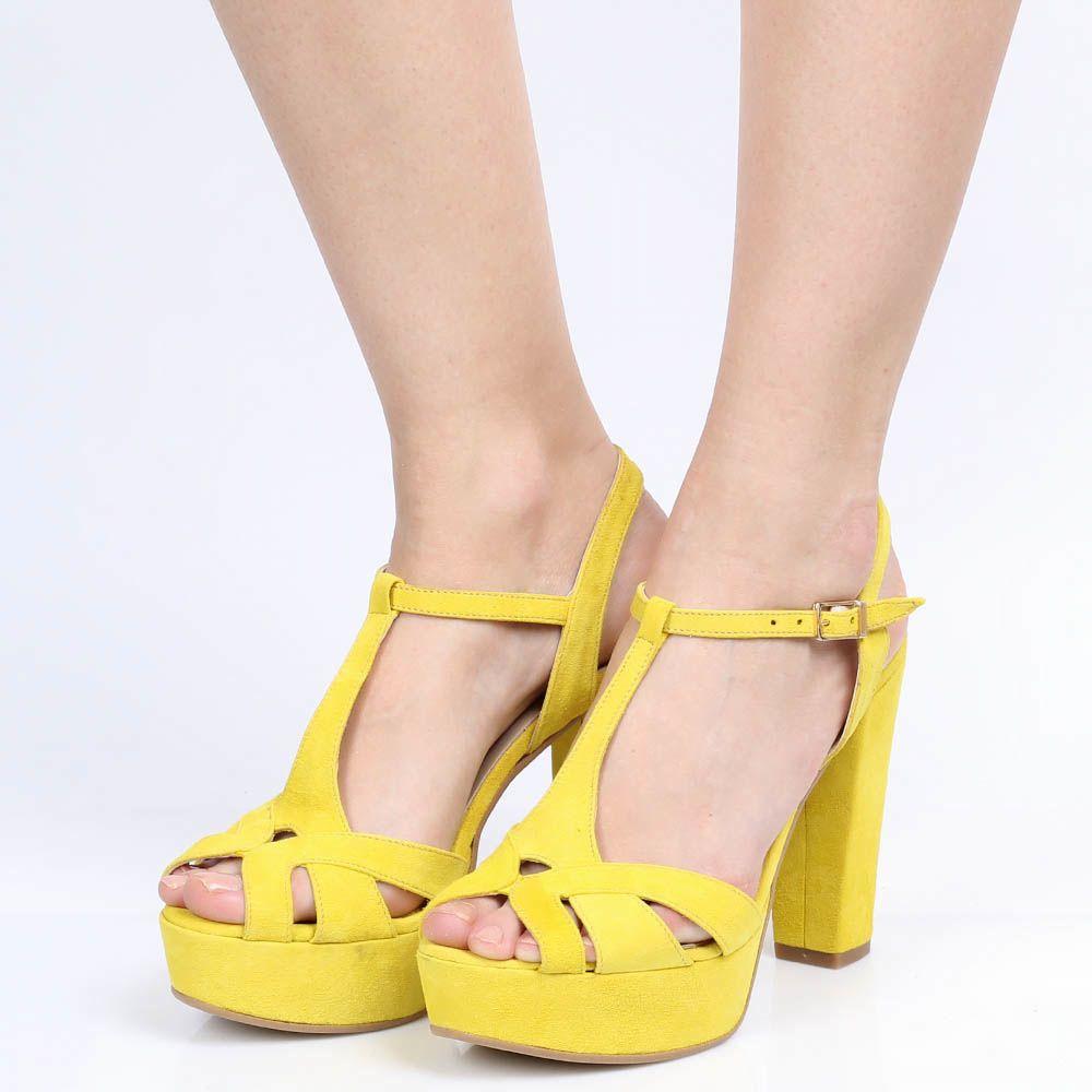 Замшевые босоножки Ovye ярко-желтого цвета на толстом каблуке