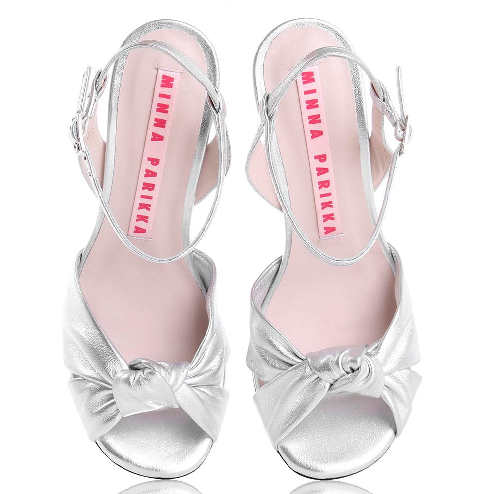 Серебристые босоножки Minna Parikka на каблуке в виде леденца