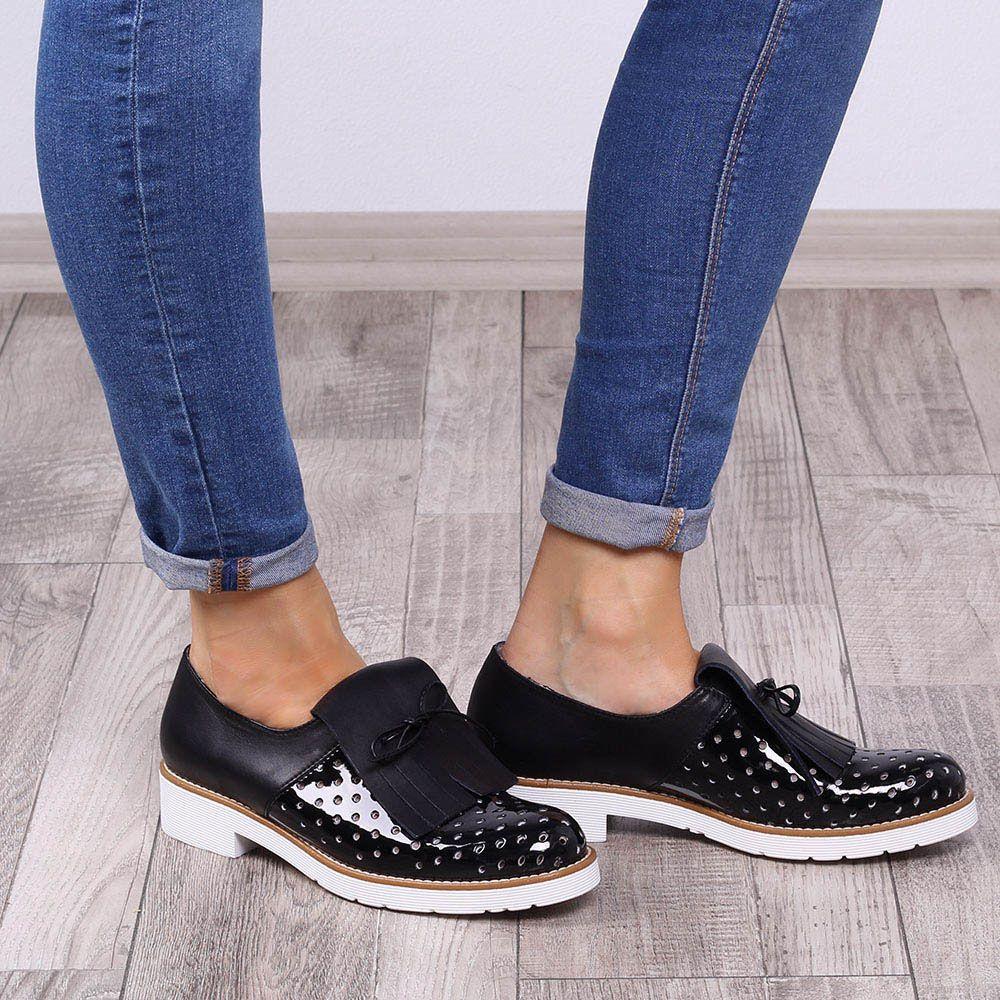 Туфли-броги Tosca Blu с лаковым перфорированным носиком