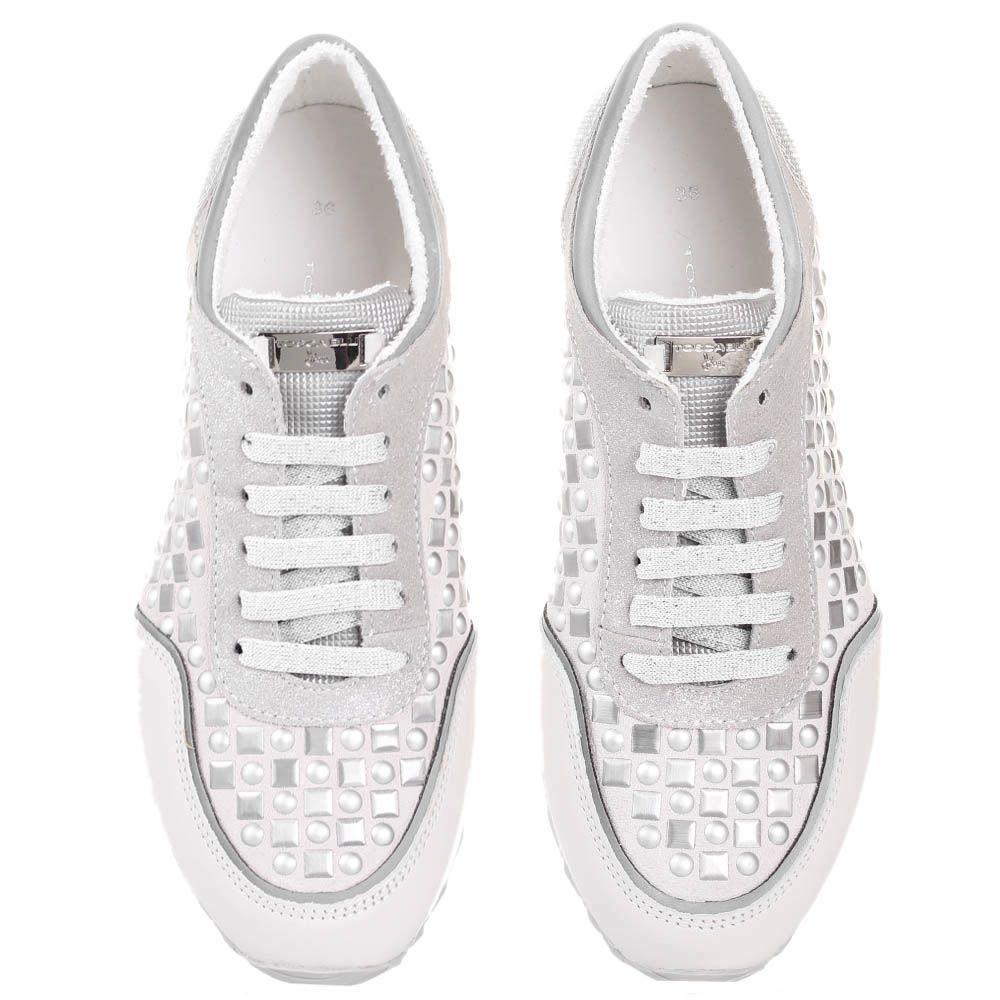 Белые кроссовки Tosca Blu с декором в виде металлических заклепок