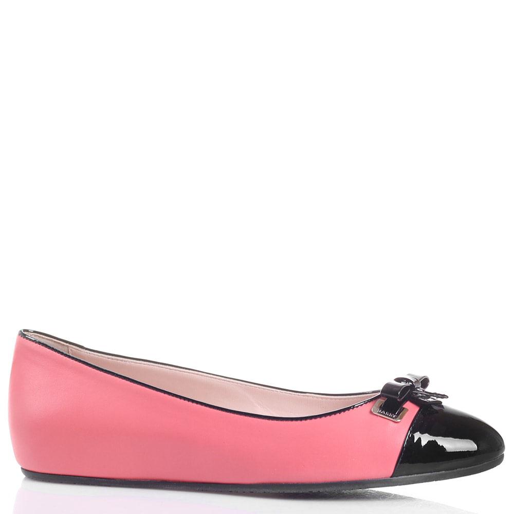 Балетки из розовой кожи Bally с лаковым носочком