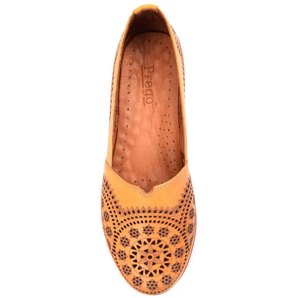 Туфли Prego из натуральной перфорированной кожи песочного цвета