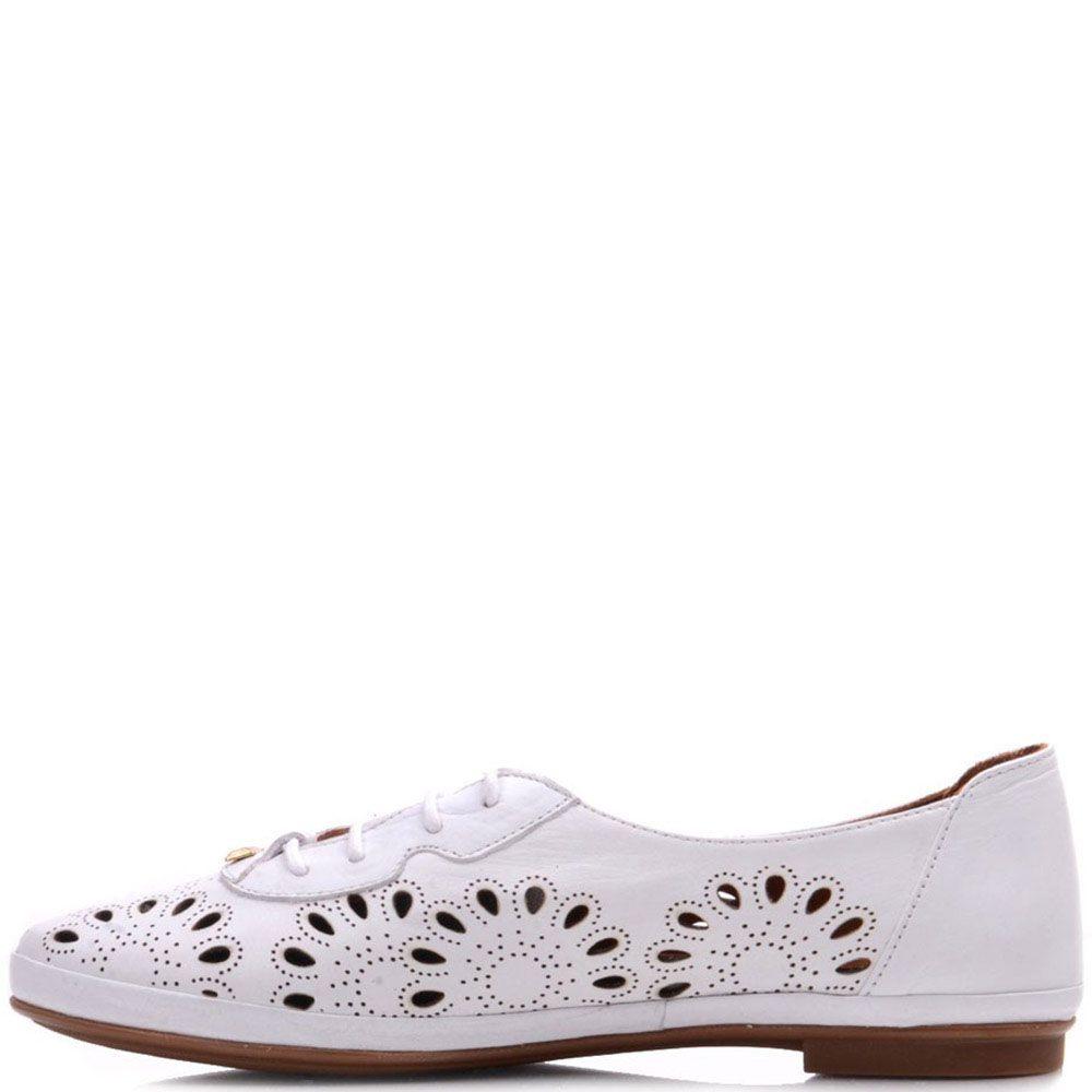 Туфли Prego из натуральной белой кожи с перфорацией