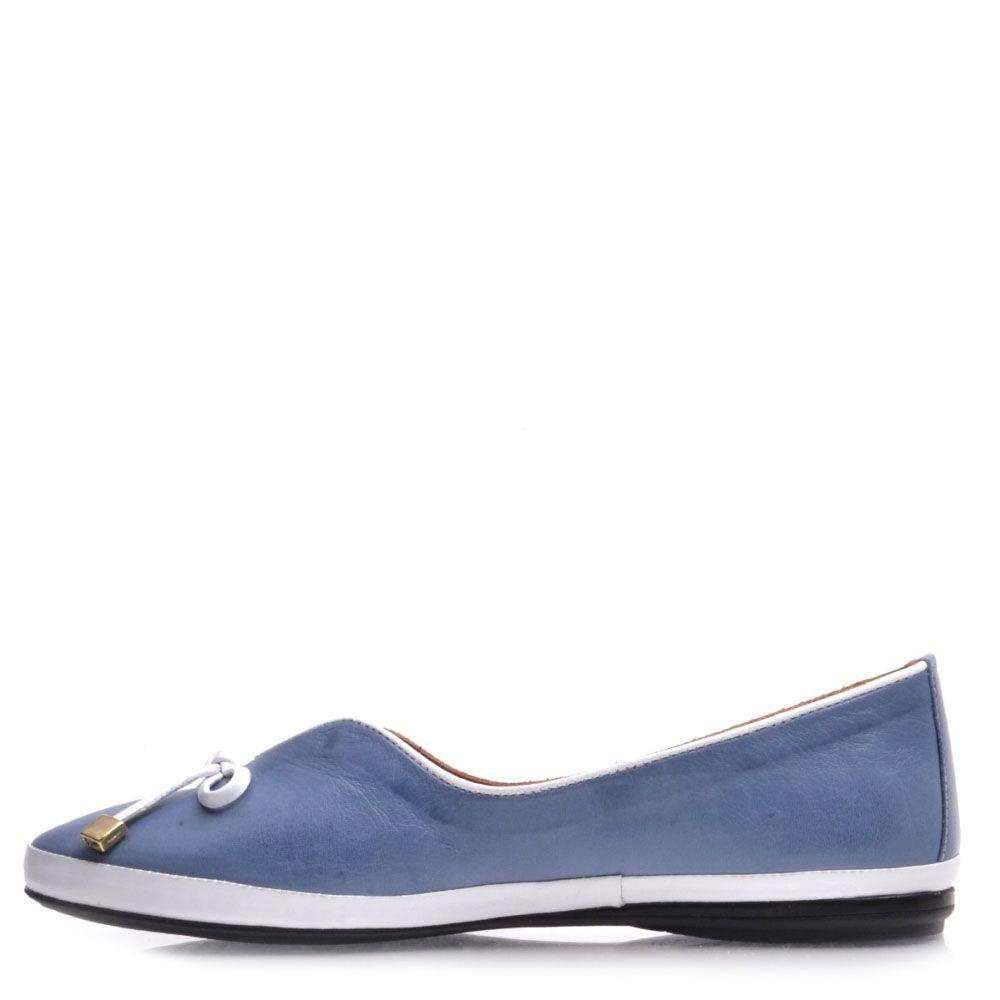 Женские туфли Prego из натуральной кожи голубого цвета с белым декором