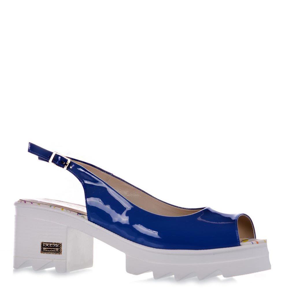 Кожаные босоножки Prego синего цвета на белой подошве