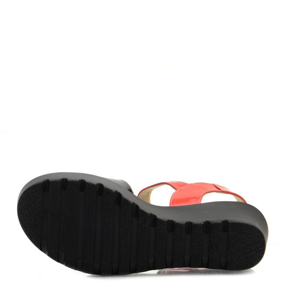 Сандалии Prego из натуральной кожи красного и черного цвета