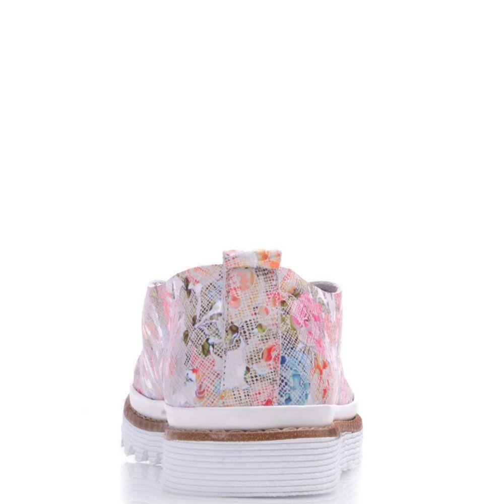 Туфли Prego из кожи с цветочным принтом на белом фоне