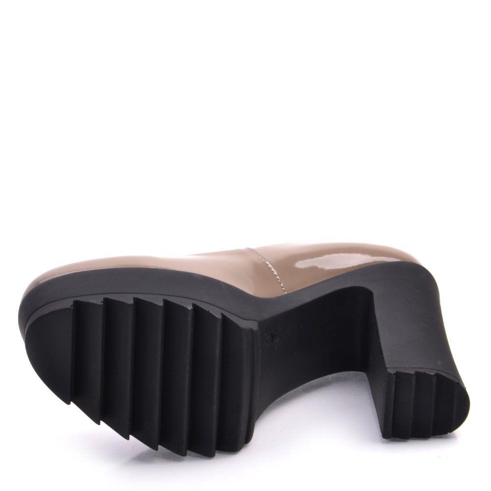 Лаковые туфли Prego из натуральной полированной кожи бежевого цвета на высоком каблуке