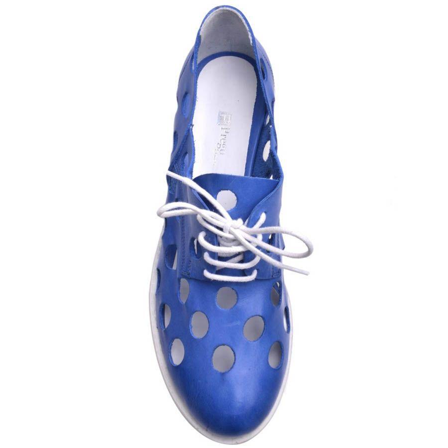Ботинки Prego синего цвета с крупной перфорацией на толстом каблуке