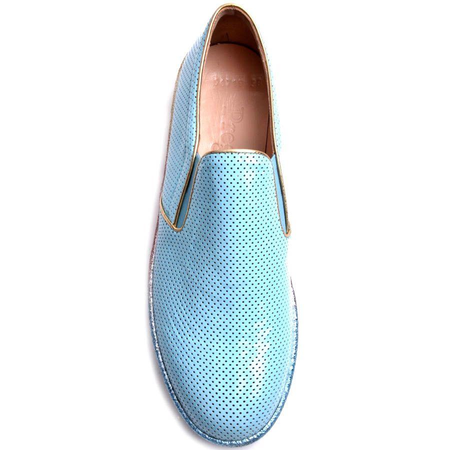 Слипоны Prego голубого цвета лаковые с радужной подошвой