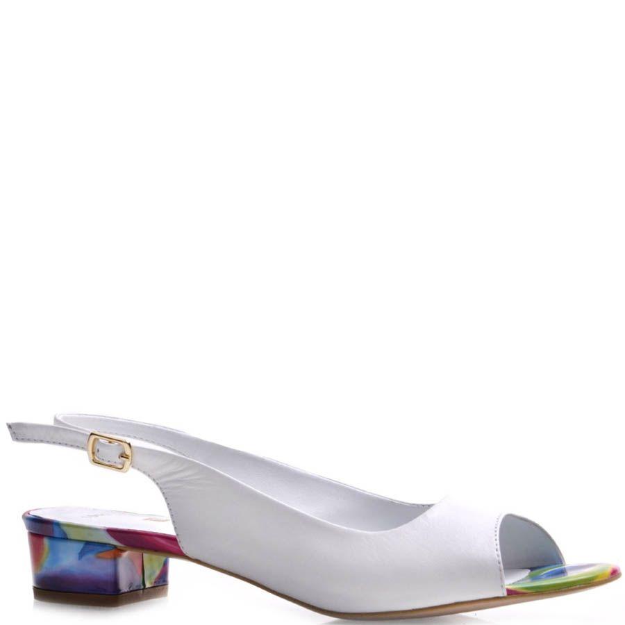Босоножки Prego белого цвета с цветным каблуком и подошвой
