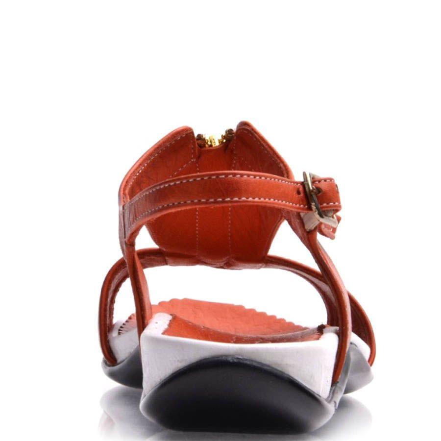 Сандалии Prego кожаные красного цвета с золотистой молнией