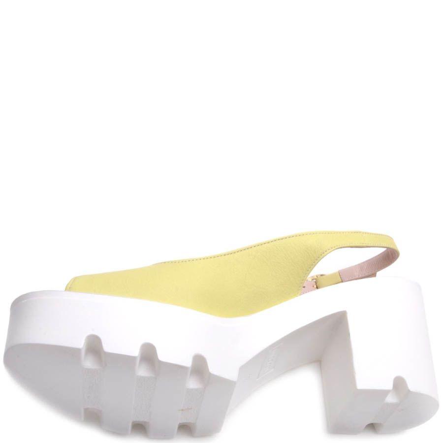 Босоножки Prego спортивные желтого цвета