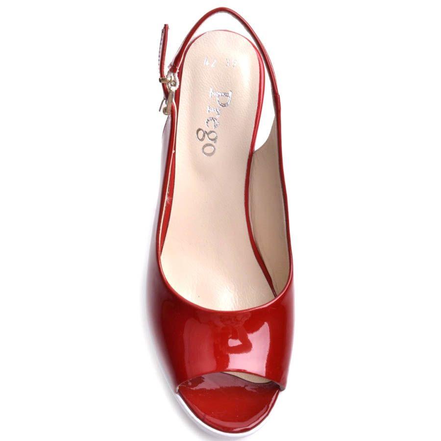 Босоножки Prego красные лаковые на толстом белом каблуке