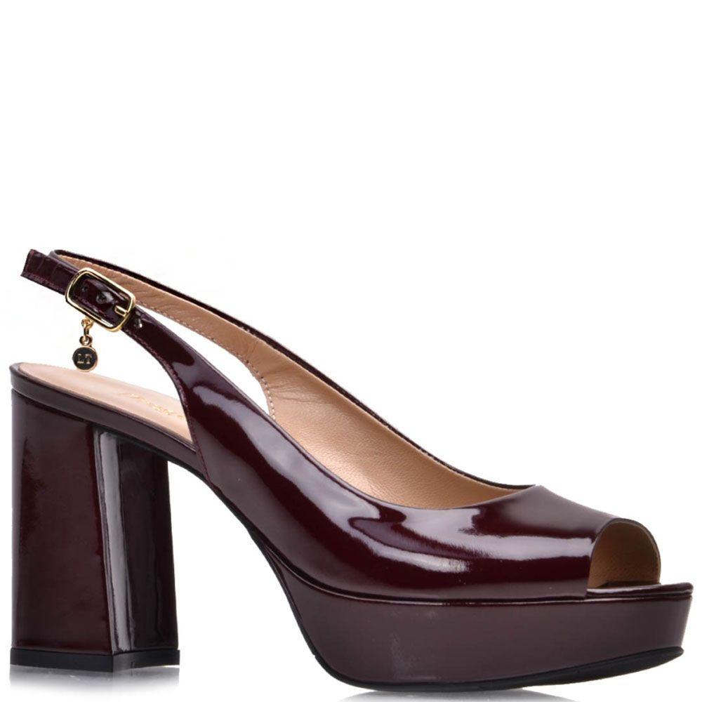 Лаковые босоножки Prego из кожи бордового цвета на платформе с высоким каблуком