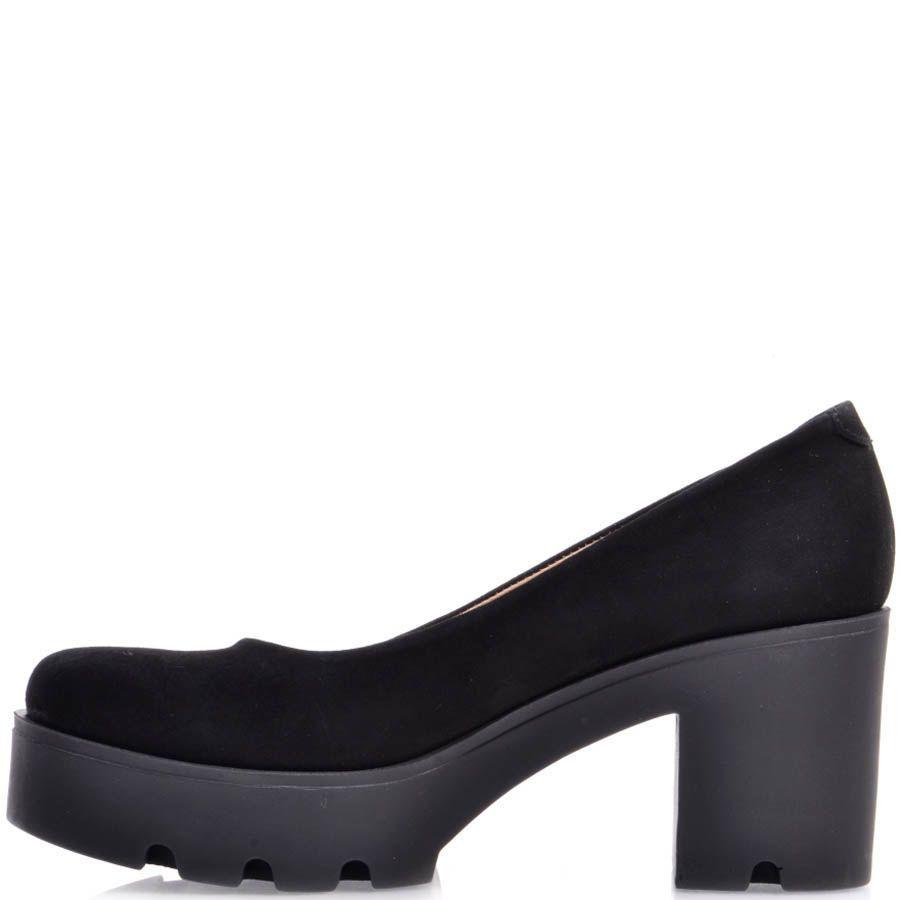 Туфли Prego замшевые на устойчивом каблуке и танкетке черного цвета