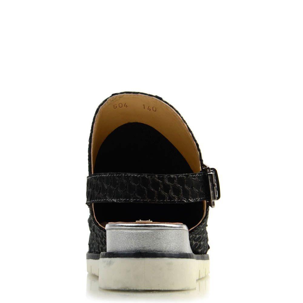 Закрытые босоножки Prego из натуральной кожи черного цвета на танкетке