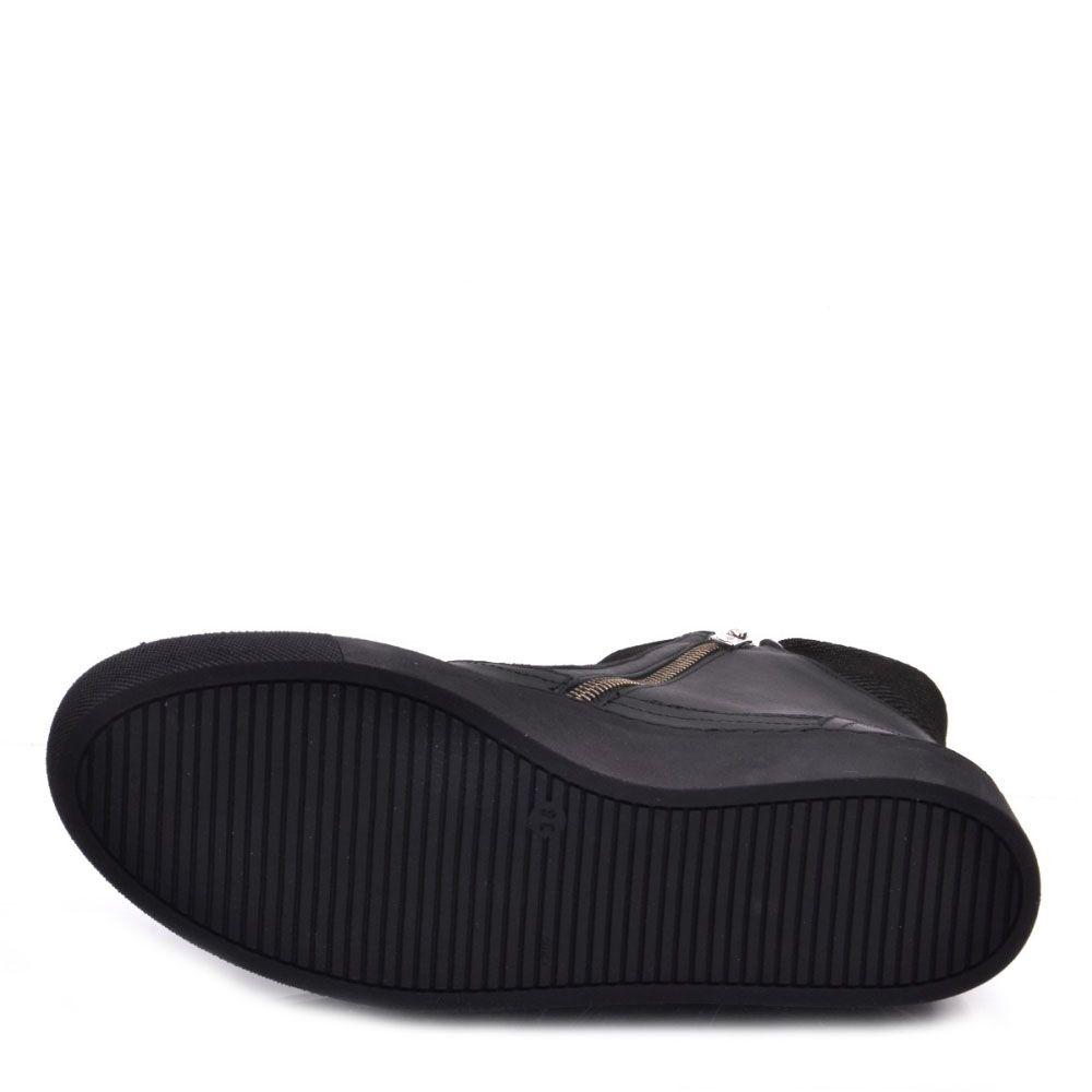 Ботинки Prego из натуральной кожи черного цвета с белой окантовкой на молнии