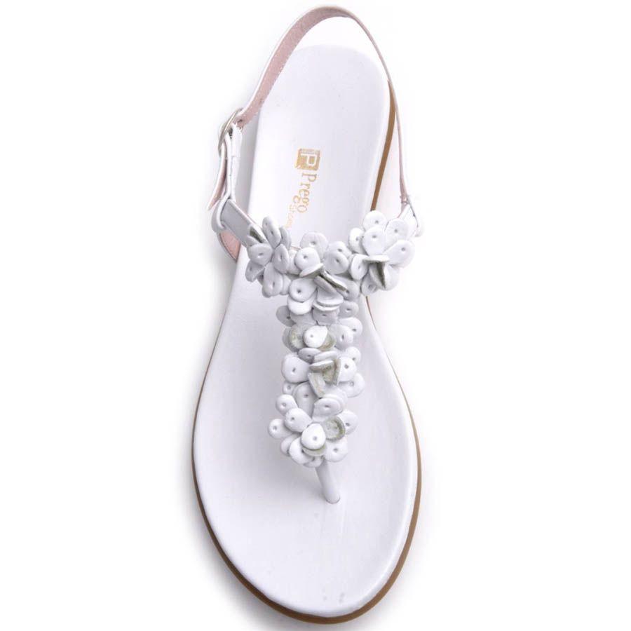 Сандалии Prego белого цвета с кожаными декоративными цветочками