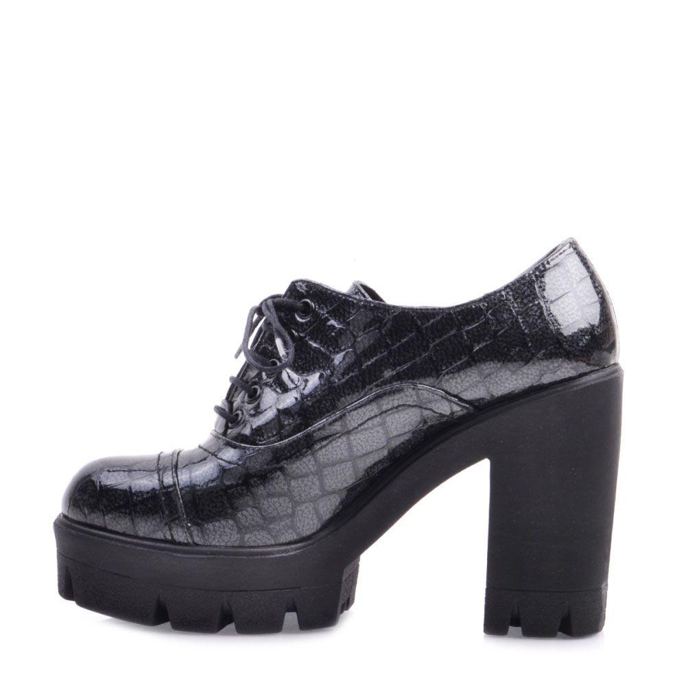 Закрытые туфли Prego серого цвета с тиснением под кожу рептилии на высоком устойчивом каблуке