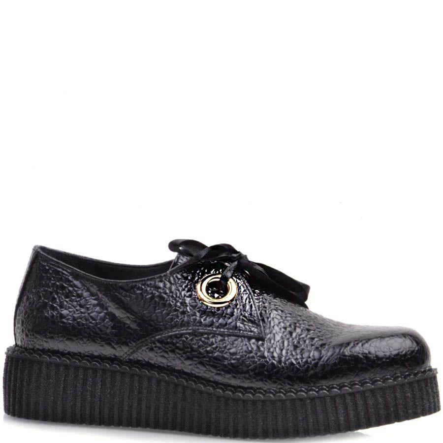 Туфли Prego черного цвета лаковые из фактурной кожи с завязками в виде лент