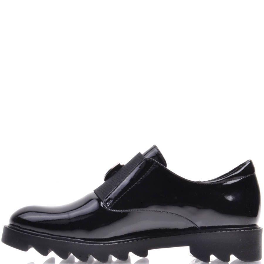 Ботинки Prego черные с зубчастой подошвой и металличеким декором в виде герба