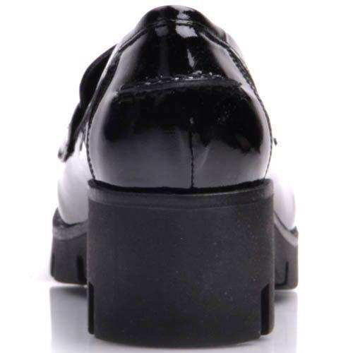 Туфли-мокасины Prego лаковые черного цвета на толстой каблуке